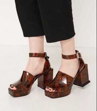 (🇯🇵日本代購) 日幣¥12,949円【MURUA】鞋墊內置加厚加軟記憶棉上腳舒服玳瑁色涼鞋 全新
