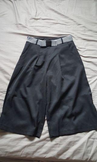 🚚 (SALE!) cropped black culottes