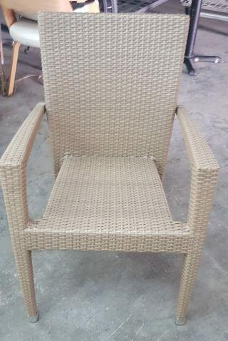🚚 Rattan Chair
