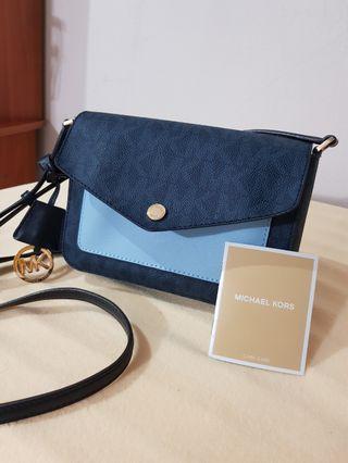 4e20f5e12ab8cd michael kors sling bag mini | Luxury | Carousell Singapore