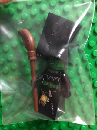 LEGO 8684 series 2 Witch