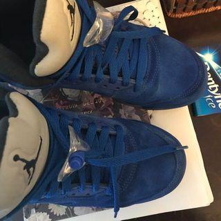 Jordans size 5.5 Kids