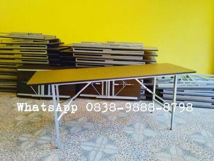 Meja lipat kayu ibm dan kursi plastik informa second