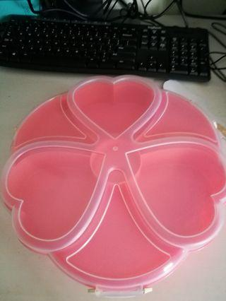 Large Heart Tupperware serving box