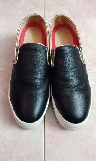 Authentic Skechers Leather 26cm