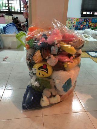 <<OFFER ME>> One Huge Bag of BRAND NEW Soft Toys