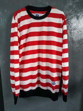 Sweater merah putih