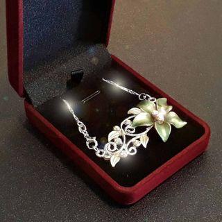 June Holiday Special. Silverish Green flower Pendant with 925 Silver Necklace