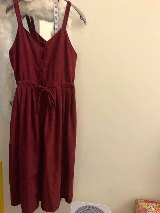 🚚 酒紅色連身排扣吊帶長洋裝