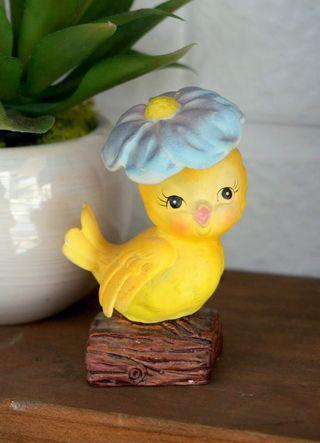 古董頭戴雛菊小黃雀瓷偶