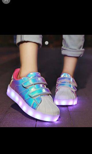 中童休闲鞋閃灯鞋30號鞋