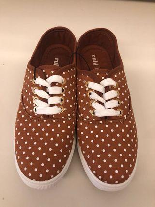 Rubi Sneaker