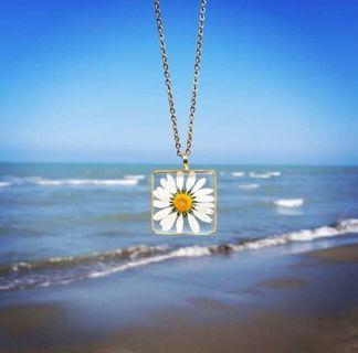 Handmade necklace ~ real flowers