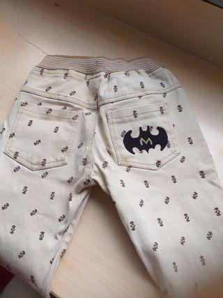 🚚 蝙蝠滿版卡其長褲