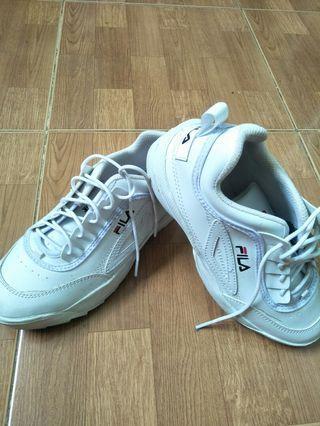 Sepatu fila white