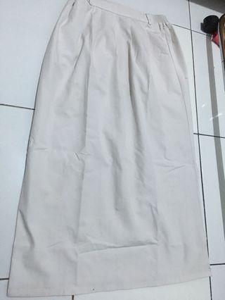 rok putih sekolah