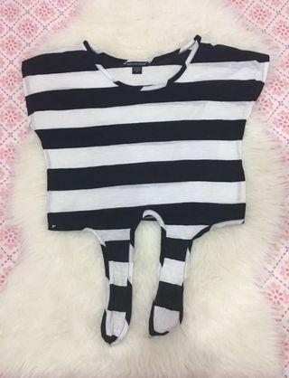 (Take all) knot striped crop top