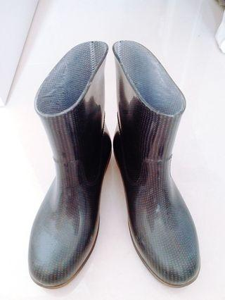 水鞋 rainboots