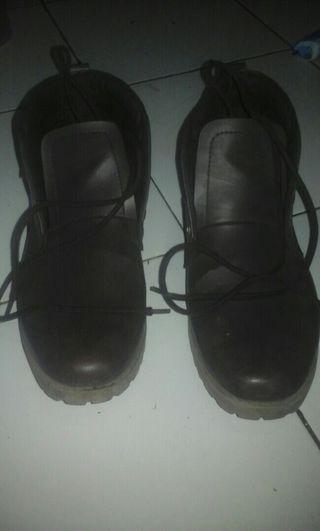 Sepatu Dewasa