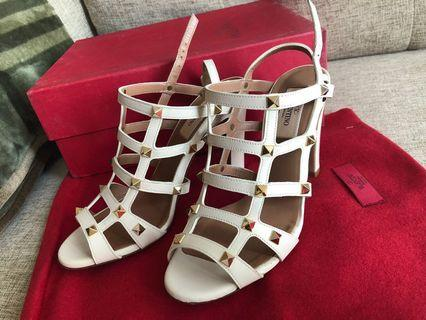 Valentino Rockstud Cream white Heels
