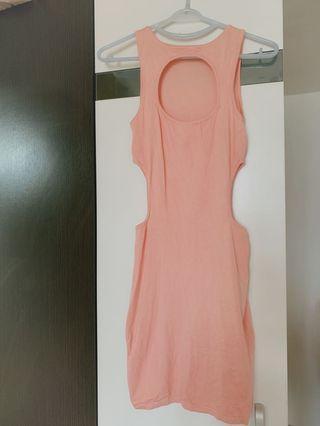 針織粉紅色連身裙