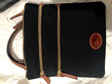 Dooney & Borke slingbag