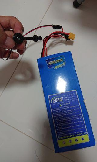 Dyu Stock Internal 10.4ah Xt60 and original charging port
