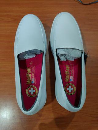 Medifeet Shoes White for Nurses