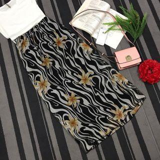 Black & White floral long skirt
