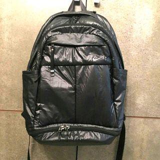 🚚 正品 Nike 蜂巢氣墊防潑水機能背包 保冷袋 鞋袋 設計