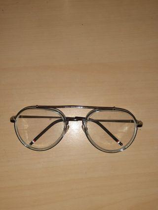 Kacamata non minus