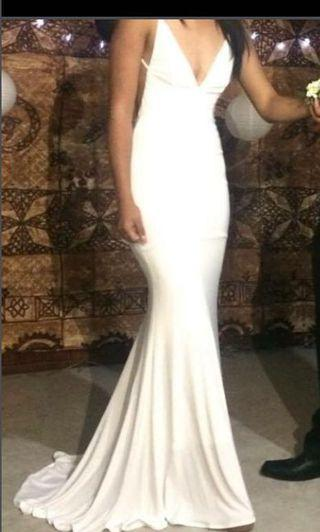 Abyss white ball dress