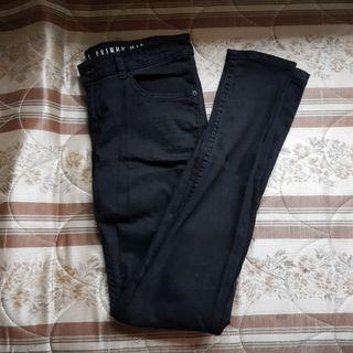 🚚 Black Cotton On Jeans