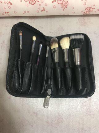 Hello Kitty Mac Brush Set