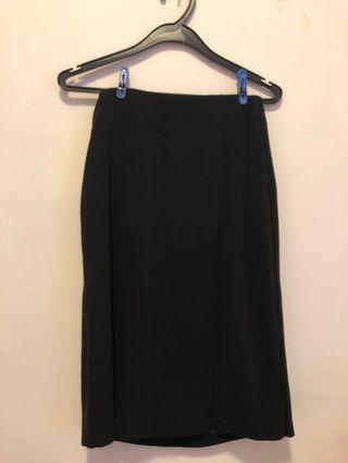 Uniqlo黑色中長西裙