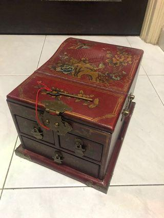 Antique looking Wooden Jewellery Box
