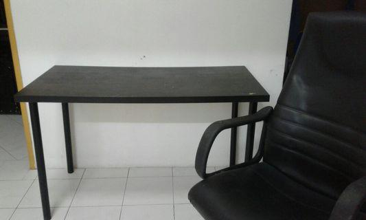 Combo Ikea Table with Office Chair #APR75 #OYOHOTEL