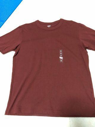 Uniqlo tee shirt