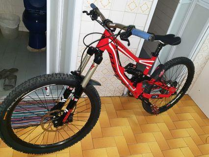 Specialized status 2014 Dh/freeride