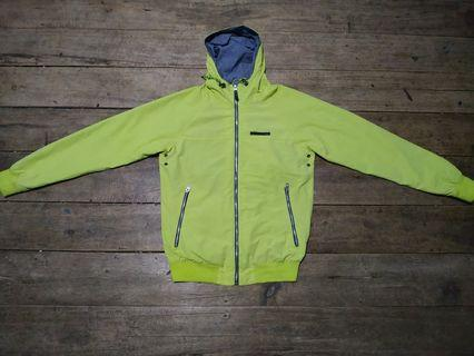 Windbreaker jacket pull and bear