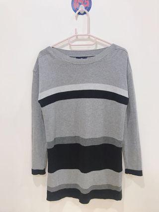 🚚 Gap 長版灰黑相間橫紋 針織上衣