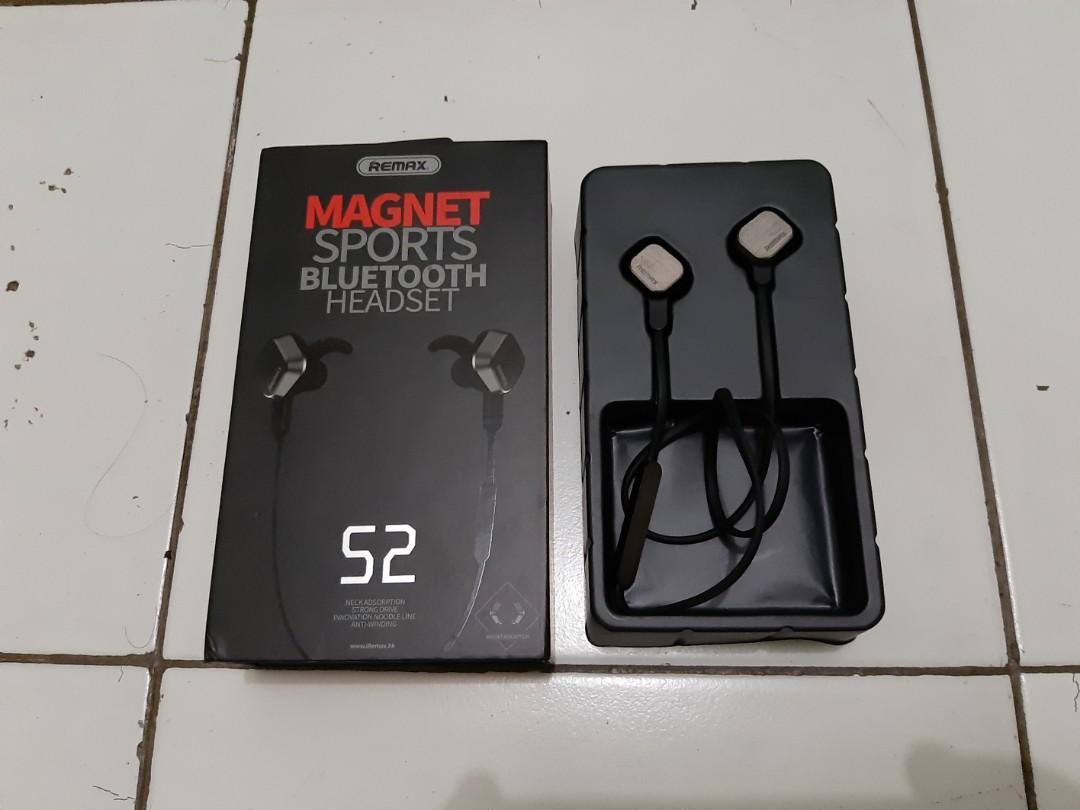 Bluetooth Headset Magnet