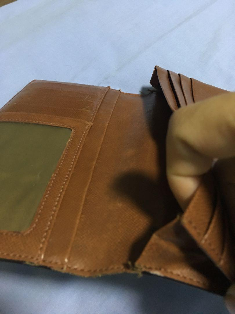LV Wallet (Authentic)