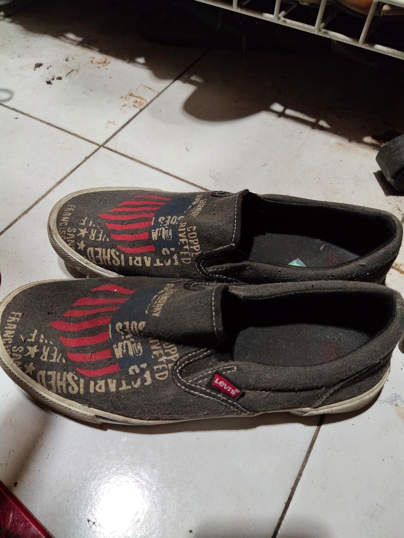 Sepatu Levi's Original