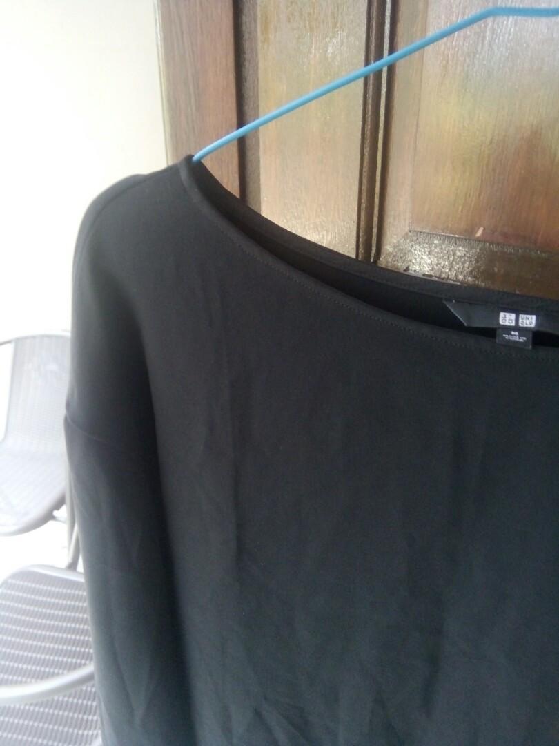 Uniqlo Black Crop Sweater
