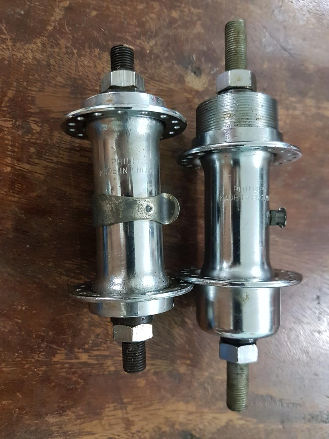 vintage Phillips 1 speed hubs from 32h rear 40h made in England.(489)