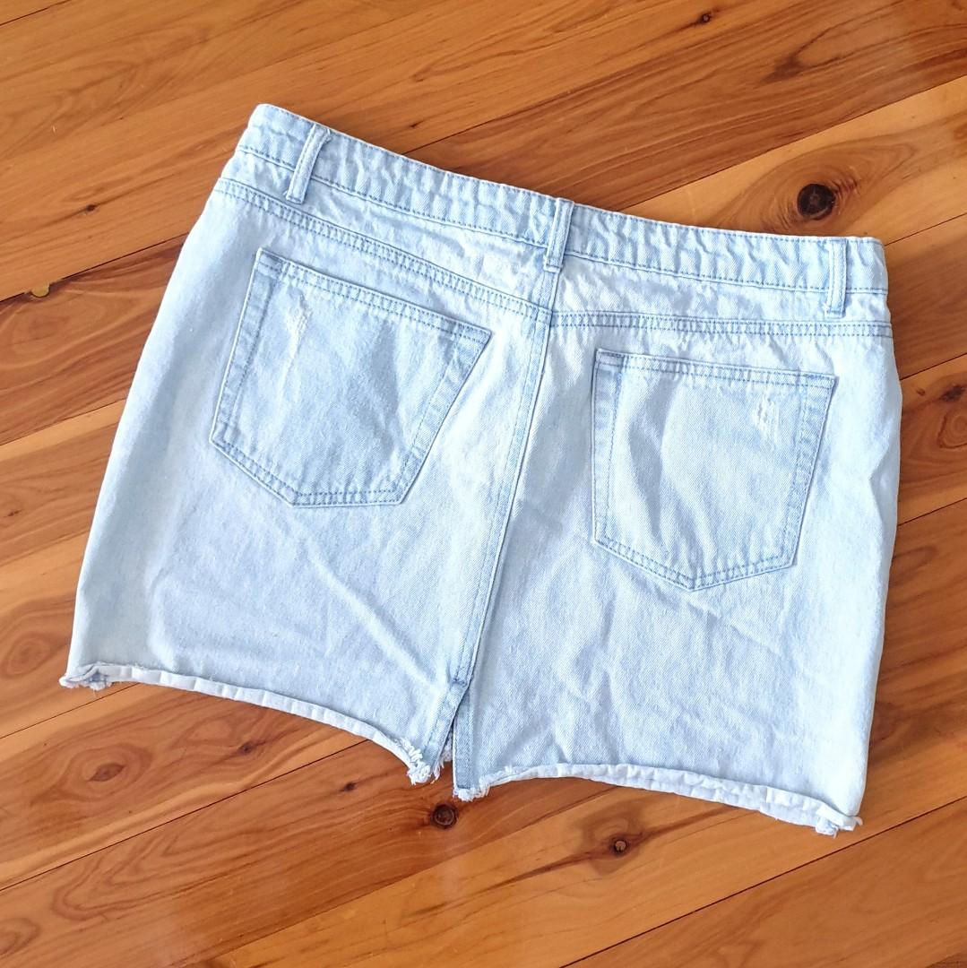 Women's size 12 'SEED HERITAGE' Gorgeous washed out distressed denim mini skirt - AS NEW