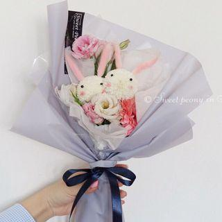 Rabbit fresh flower bouquet [Couple Rabbit]