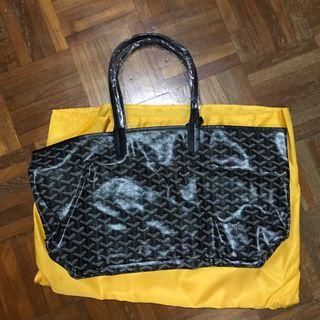 Shoulder bag tote bag with matching pouch #mrtbedok