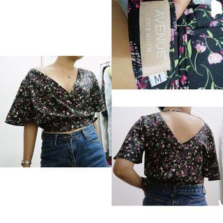Kimono top with tag